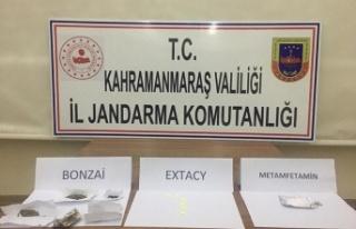 Uyuşturucu operasyonunda 12 kişi gözaltına alındı
