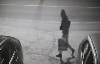Bilgisayar hırsızı güvenlik kamerasına yakalandı