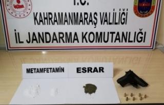 Uyuşturucu taciri 11 kişi gözaltına alındı