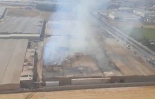 Tekstil fabrikasındaki yangına havadan ve karadan...
