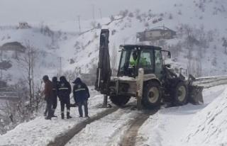 Akedaş ekiplerinin zorlu kar mesaisi