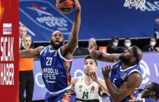 Anadolu Efes¸ THY Avrupa Ligi Play-off'unda