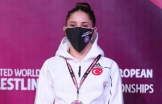 Kadın pehlivanlar, Avrupa Güreş Şampiyonası'nda...
