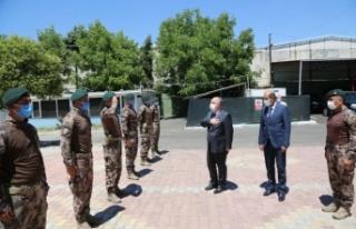 Vali Coşkun, Özel Harekat Polislerini ziyaret etti