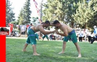 Güreşçiler, Türkoğlu er meydanında