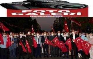 """Kahramanmaraş ayakta: """"Türkiye Geçilmez"""""""