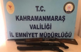 Polis denetimlerinde 12 silah ele geçirildi
