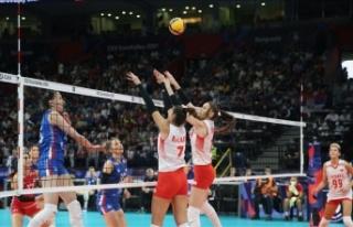 'Filenin Sultanları' yarı finalde Sırbistan'a...
