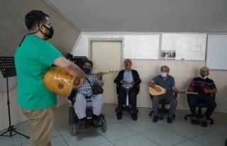 İleri Yaş Atölyeleri'nde eğitimler başladı