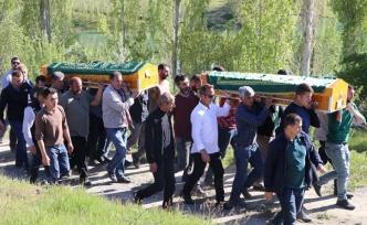Baraj gölünde boğulan 3 çocuk toprağa verildi