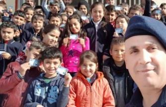 """ÇAĞLAYANCERİT'TE ÖĞRENCİLERE """"TRAFİK DEDEKTİFİ"""" EĞİTİMİ"""