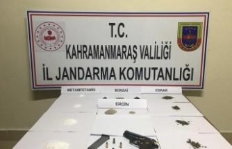Pazarcık'ta uyuşturucu kaçakçıları yakalandı