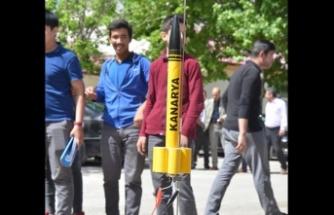 Meslek lisesi öğrencileri 400 metre menzilli roket yaptı