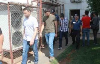 FETO'dan gözaltına alınan şüpheliler adliyede