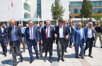 AK Partili Ünal, Milli İrade Meydanını gezdi