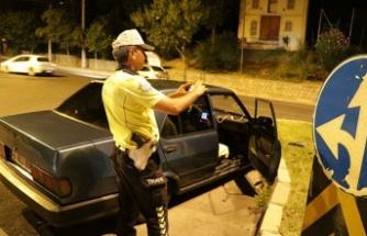 Polisten kaçan sürücüye bin 453 TL ceza