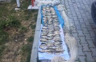 Yol kontrolünde yakalanan kaçak balıkçılara para cezası kesildi