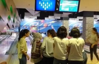 Kız çocukları eğlendi