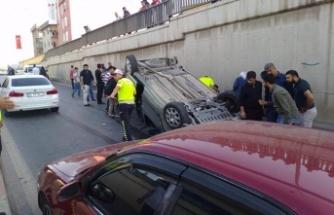Otomobil kavşak çıkışında takla attı: 5 yaralı