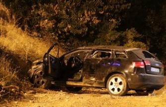 Otomobil, uçurumdan aşağı düştü: 3 yaralı