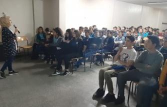 Öğrenci ve veli seminerlerine yoğun ilgi gösteriliyor