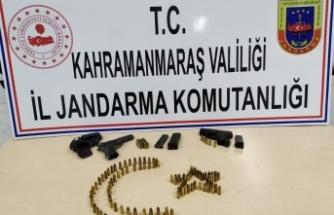 Silah kaçakçılığı operasyonu: 2 kişi gözaltında