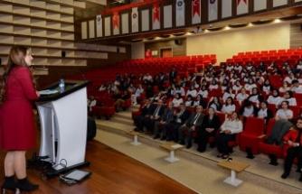 """KSÜ'de """"Tütün Bağımlılığı Tedavisi"""" anlatıldı"""
