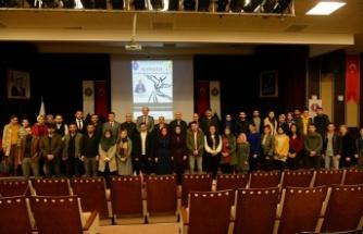 """""""Mevlana Hazretleri ve Mevlevilik"""" konferansı düzenlendi"""