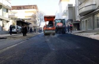 Büyükşehir, Pazarcık'ta sıcak asfalt seriyor