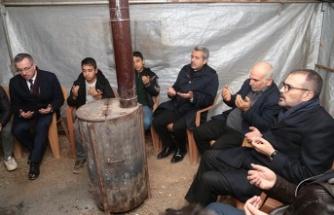 Mahir Ünal, şehit Deniz'in ailesini ziyaret etti