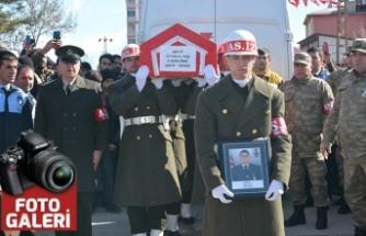 Şehit Uzman Onbaşı Ceyhun Taş, son yolculuğuna uğurlandı