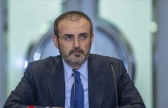 Mahir Ünal, 'EvdeKalTürkiye' kitap kampanyası başlattı