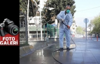 Bulvar ve caddeler dezenfekte ediliyor