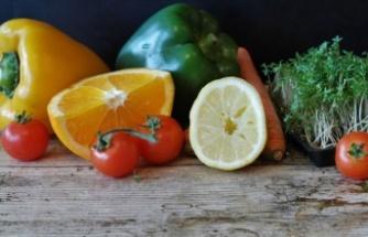 'Çiğ tüketilen gıdaları sirke, ozon ya da klorlu bol suyla yıkayın'