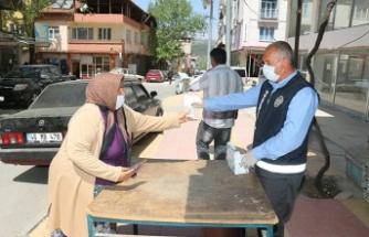 Pazarcık Belediyesi, ücretsiz maske dağıttı