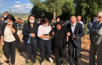 CHP heyetinden Zeynep'in ailesine taziye ziyareti