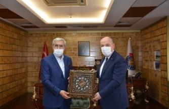 Vali Coşkun, Rektörü Prof. Dr. Niyazi Can'ı ziyaret etti