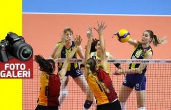 Fenerbahçe Opet, Galatasaray HDI Sigortaya set vermedi: 3-0