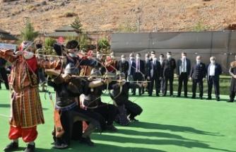 Türkoğlu'nda geleneksel okçuluk turnuvası yapıldı