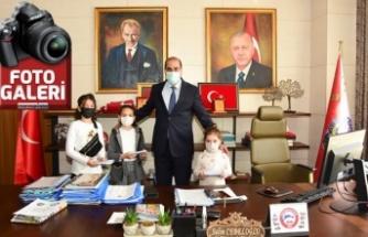 Yahya Kemal İlkokulu Öğrencilerinden Polis Haftası sürprizi