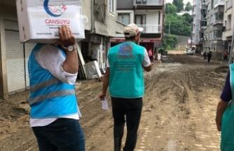 Anadolu Gençlik Derneği, Rize ve Artvin'de yaraları sarıyor