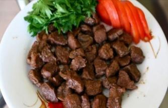 Etleri öğle saatlerinde, akşam sebze ve kuru bakla tüketin