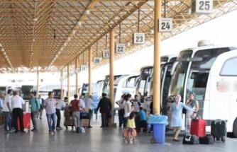 Yurt içinde ikamet eden 6 milyon 955 bin kişi seyahate çıktı