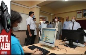 KİÜ, Erkenez Ortaokulu'na bilgisayar laboratuvarı kurdu