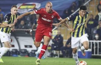 Fenerbahçe, Royal Antwerp'i yıkamadı: 2-2