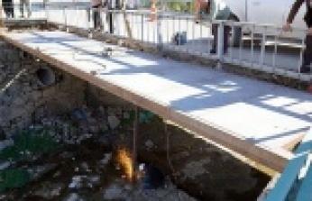 Büyükşehir'den Çağlayancerit'e köprü
