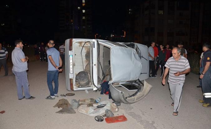 İki otomobil çarpıştı, 2 kişi yaralandı