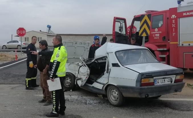Otomobil ile kamyon çarpıştı: 1 ölü, 1 yaralı