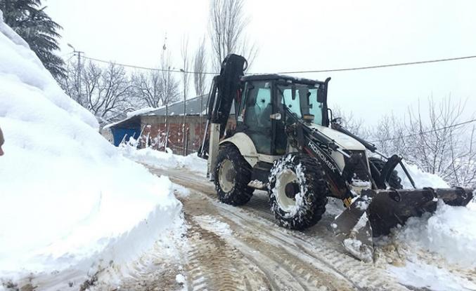 Dulkadiroğlu'nda karla mücadele yoğunlaştı