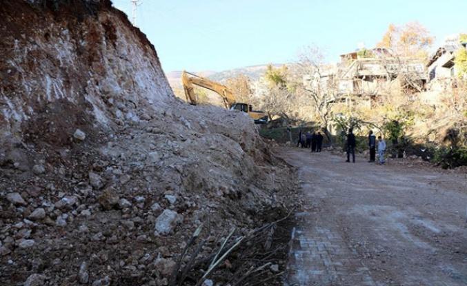 Gafarlı'da sorunlu yol düzeltiliyor
